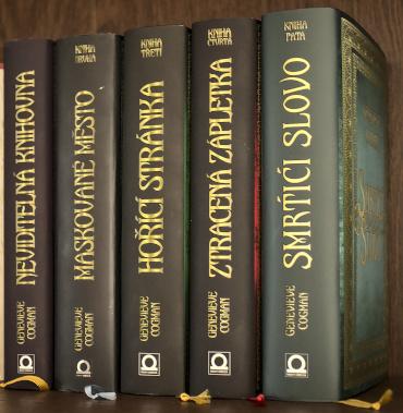 Série Neviditelné knihovna